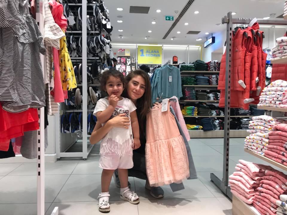 Gülen Yüzler Bayram Alışverişi Özel Çocuklar İstanbul